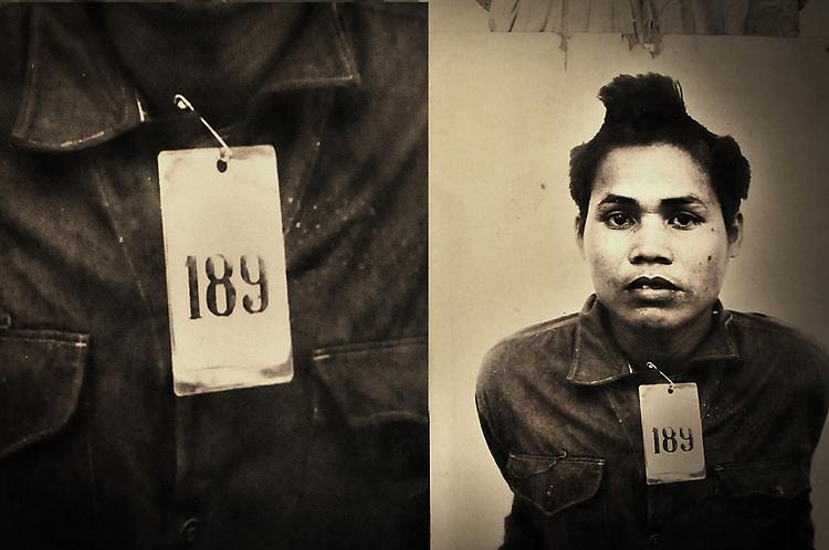 A.osnowycz/thereportage.com.15/03/2010.Phnom Penh, Cambodge.photomontage: détenu torturé puis executés par ses boureaux dans la prison S21.Entre 1975 et 1979 plus de 17 OOO personnes ont trouvé la mort, torturés et exécutées, hommes, femmes et enfants, dans cette ancien lycée de Phnom Penh, « Tuol Sleng », transformé par les khmers rouges en lieu d'extermination et rebaptisé du nom de S-21..Comble de l'horreur, tous avaient auparavant été photographiés et numérotés : retirer à ces hommes et à ses femmes tout ce qu'ils ont d'humain afin de plus facilement les exterminer, vulgaires « obstacles » dans la course effrénée et schizophrène que les dirigeants khmers rouges avaient entrepris le 17 avril 1975...La prison de Tuol Sleng, aujourd'hui transformée en musée est lourde d'émotions : Défilement des portraits d'innocents torturés, salles de tortures, geôles, instruments de torture, barbelés... Elle raconte l'histoire des milliers de victimes qui y ont trouvé la mort mais aussi celle de leurs bourreaux et de la folie dans laquelle le régime khmers rouge s'est engouffré.