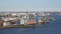 Nederland  Amsterdam - 2017 . 5de editie Open Toren Dag. 28 historische en hedendaagse torens openen hun deuren.  De Silodam en de Houthavens. Foto Berlinda van Dam / Hollandse Hoogte