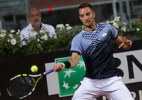 Il serbo Viktor Troicki in azione contro il giapponese Kei Nishikori durante gli Internazionali d'Italia di tennis a Roma, 14 maggio 2015. <br /> Serbia's Viktor Troicki in action against Japan's Kei Nishikori during the Italian Open tennis tournament in Rome, 14 May 2015.<br /> UPDATE IMAGES PRESS/Riccardo De Luca