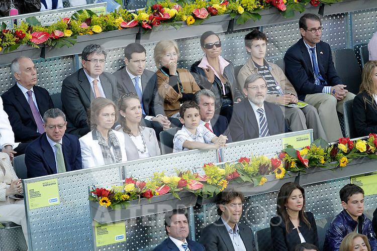 Queen Sofia of Spain, Prince Elena with her daughter Victoria Federica, Manolo Santana and the Mayor of  Madrid City Alberto Ruiz-Gallardon in the Tennis Madrid Open ATP Singles Final, May 16,2010..(Alfaqui/Cesar Cebolla)