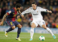 FC Barcelona's Daniel Alves (l) and Real Madrid's Mesut Ozil during Copa del Rey - King's Cup semifinal second match.February 26,2013. (ALTERPHOTOS/Acero) /Nortephoto