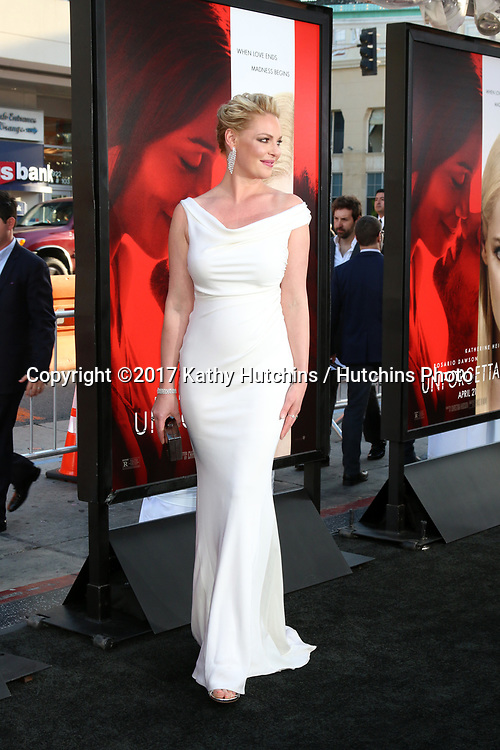 "LOS ANGELES - APR 18:  Katherine Heigl at the ""Unforgettable"" Premiere at TCL Chinese Theater IMAX on April 18, 2017 in Los Angeles, CA"