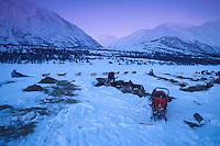 J Ritchie Leaves Rainy Pass Ckpt Morning 2000 Iditarod AK