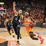 08.03.2020, ratiopharm arena, Neu-Ulm, GER, BBL, ratiopharm ulm vs MHP Riesen Ludwigsburg, <br /> im Bild Jonas Wohlfarth-Bottermann (Ludwigsburg, #18), Archie Goodwin (Ulm, #20)<br /> <br /> Foto © nordphoto / Hafner