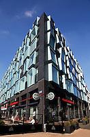 Moderne architectuur bij de Rijnhaven in Rotterdam