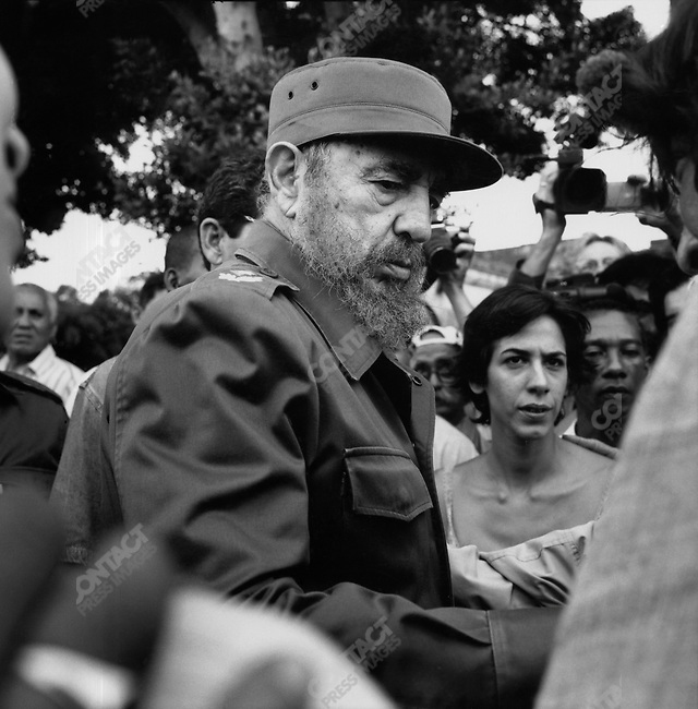 Fidel Castro, President of Cuba, at the funeral of Alberto Korda, author of the famous picture of Che Guevara. Kolon Cemetary, Havanna, Cuba, May 29, 2001<br />
