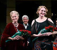 ***Jan Maxwell has passed away at the age of 61 after a long battle with cancer***<br /> ***FILE PHOTO*** Rosemary Harris, Tony Roberts &amp; Jan Maxwell<br /> during the Manhattan Theatre Club's Productions Opening Night Curtain Call  for &quot;The Royal Family&quot; at the Samuel J. Friedman Theatre in New York City. October 8, 2009 <br /> CAP/MPI/WAL<br /> &copy;WAL/MPI/Capital Pictures