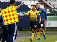 MANIZALES - COLOMBIA, 22-04-2017: Alex Castro jugador de Alianza Petrolera celebra después de anotar un gol a Once Caldas durante partido por la fecha 14 de Liga Águila I 2017 jugado en el estadio Palogrande de la ciudad de Manizales. / Alex Castro player of Alianza Petrolera celebrates after scoring a goal to Once Caldas during match for the date 14 of the Aguila League I 2017 played at Palogrande stadium in Manizales city. Photo: VizzorImage / Santiago Osorio / Cont