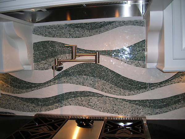 Custom Mirage backsplash shown in Kay's Green, Verde Alpi, and Thassos.
