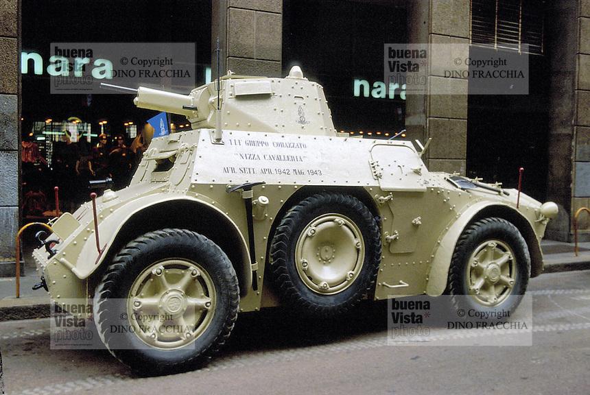 - Italian Army, Ansaldo SVA armored car of World War II....- Esercito Italiano, autoblindo SVA  Ansaldo della II Guerra Mondiale