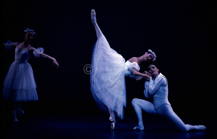 Susan Jaffe and Christian Duncan in English National Ballet's Etudes