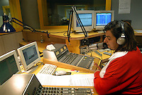 - the studios of the historical indipendent broadcasting station Popular Radio of Milan....- gli studi di trasmissione della storica emittente indipendente Radio Popolare di Milano