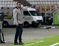 MANIZALES - COLOMBIA, 06-09-2018: Hubert Bodhert técnico de Once Caldas durante partido contra Deportivo Cali por la fecha 8 de Liga Águila II 2018 jugado en el estadio Palogrande de la ciudad de Manizales. / Hubert Bodhert coach of Once Caldas during match against Deportivo Cali valid for the date 8 of the Aguila League II 2018 played at Palogrande stadium in Manizales city. Photo: VizzorImage / Santiago Osorio / Cont