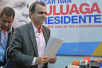 BOGOTA - COLOMBIA. 19-05-2014.  Oscar Ivan Zuluaga candidato presidencial en Colombia por el partido Centro democrático durante una rueda de prensa en Bogota, Colombia,  previo a las elecciones presidenciales el próximo 25 de mayo de 2014./ Oscar Ivan Zuluaga presidential colombian canditate by Democratic Center party during a press conference in Bogota, Colombia, today prior the Presidential elections in May 25 2014. Photo: VizzorImage / Cont