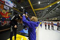 SCHAATSEN: HEERENVEEN: Thialf IJsstadion, 15-03-2013, Sjoerd de Vries was aanwezig om de prijzen uit te reiken, Michelle de Jong (G-FR), girls 12 years, ©foto Martin de Jong
