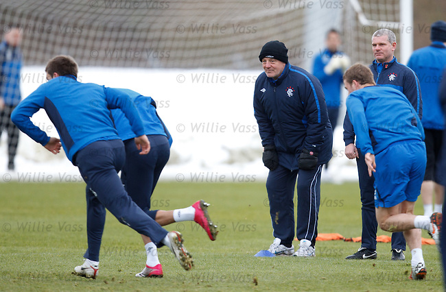 Walter Smith watching carefully as the players vie with each other for the fastest over the line