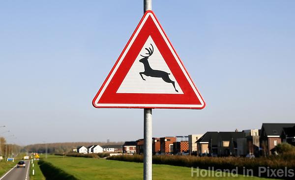 Almere Poort. Waarschuwingsbord overstekend wild