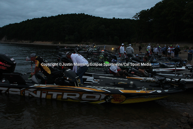 August 21, 2015: Anglers get ready before day two of the Forrest Wood Cup on Lake Ouachita in Hot Springs, AR. Justin Manning/ESW/CSM