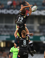 DURBAN, SOUTH AFRICA - MAY 05: Andre Esterhuizen of the Cell C Sharks can't take the ball from the kick off during the Super Rugby match between Cell C Sharks and Highlanders at Jonsson Kings Park Stadium in Durban, South Africa on Saturday, 5 May 2018. Photo: Steve Haag / stevehaagsports.com