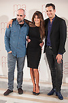 Spanish actress Penelope Cruz and actors Luis Tosar (L) and Asier Etxeandia pose during the `Ma Ma´ film presentation in Madrid, Spain. July XX, 2015. (ALTERPHOTOS/Victor Blanco)