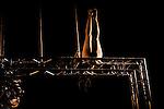JEUDI<br /> <br /> Conception, chor&eacute;graphie Katalin Patka&iuml;<br /> En collaboration avec Ugo Dehaes<br /> Interpr&eacute;tation Justine Bernachon, Katalin Patka&iuml;<br /> Cr&eacute;ation lumi&egrave;re Benjamin Boiffier<br /> Compositeur Roeland Luyten<br /> Compagnie En avoir ou pas<br /> Cadre : Rencontres chor&eacute;graphiques de Seine Saint Denis<br /> Date : 16/05/2014<br /> Lieu : La parole errante<br /> Ville : Montreuil<br /> &copy; Laurent Paillier / photosdedanse.com