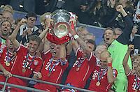 LONDRES, INGLATERRA, 25 DE MAIO 2013 - LIGA DOS CAMPEOES DA EUROPA BAYERN DE MUNIQUE X BORUSSIA DORTMUND - Jogadores do Bayern de Munique comemoram conquista da Liga dos Campeões da Europa apos vencer por 2 a 1 o Borussia Dortmund no Estádio de Wembley em Londres na Inglaterra, neste sábado, 25. (FOTO: PIXATHLON / BRAZIL PHOTO PRESS).