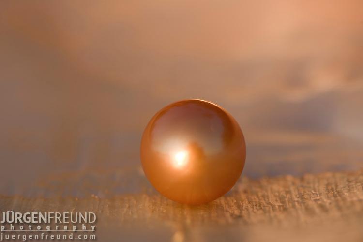 Jewelmer Pearlfarm, golden pearl