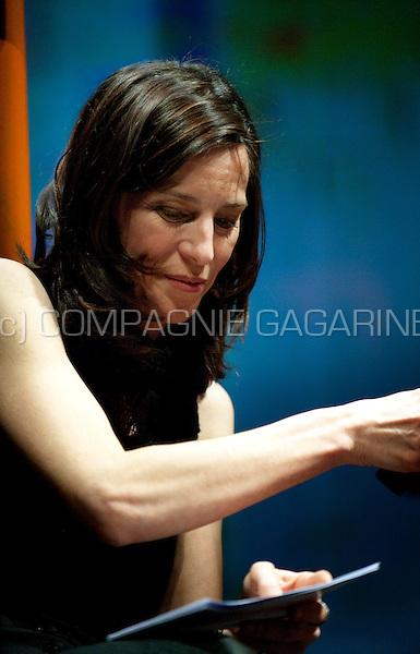 Fien Sabbe hosting the Cultuurprijzen 2008 award ceremony in CC Hasselt (Belgium, 02/02/2009)