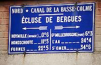 Europe/France/Nord-Pas-de-Calais/59/Nord/Bergues :  Panneau du Canal de La Basse-Colme signalant les écluses