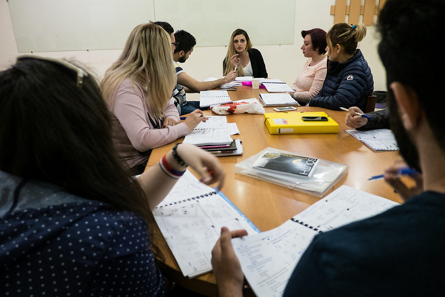Lisa Manukayn leads Russian language classes for Syrian-Armenian refugees, part of a joint UNHCR-KASA Vocational Educational Training (VET) project.