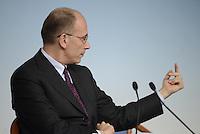 Roma, 13 Dicembre 2013<br /> Palazzo Chigi<br /> Conferenza stampa al termine del Consiglio dei Ministri sull'abolizione del finanziamento pubblico ai partiti e i tagli al costo dell'energia elettrica.<br /> Nella foto Enrico Letta.