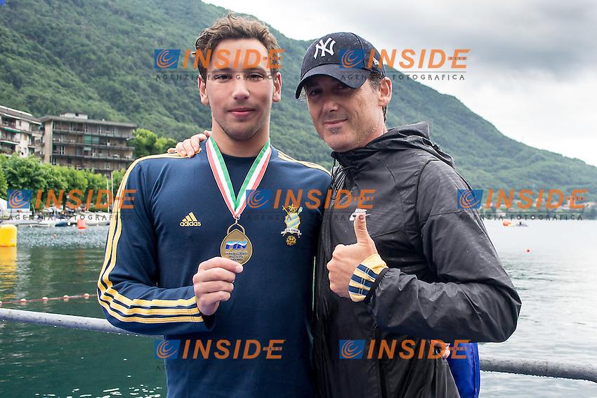 Mirko Comodino Aniene con l'allenatore Ivan Sacchi <br /> 25  km uomini<br /> Omegna, Lago D'Orta<br /> FIN 2016 Campionato Italiano Assoluto Nuoto di Fondo <br /> <br /> Day 05 14-06-2016<br /> Photo Laura Binda/Deepbluemedia/Insidefoto