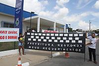 Monte Mor (SP), 10/01/2020 - Doria-Poltiica - Manifestantes em frente a UBS. O governador do Estado de São Paulo, João Doria (PSDB), participa da inauguração da Unidade Básica de Saúde (UBS) de Monte Mor, com o secretário da Saúde, José Henrique Germann nesta sexta-feira (10).