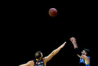 Jarrad Weeks (Breakers) shoots for goal during the Australian National Basketball League match between Skycity Breakers and Illawarra Hawks at TSB Bank Arena in Wellington, New Zealand on Thursday, 14 February 2019. Photo: Dave Lintott / lintottphoto.co.nz