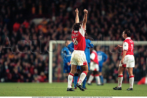 GILLES GRIMANDI celebrates Arsenal's win.  ARSENAL 3 v Manchester United 2, 971109. Photo: Glyn Kirk/Action Plus...1997.Soccer.celebration.celebrate.celebrating.celebrations.joy.football.premiership premier league.club clubs