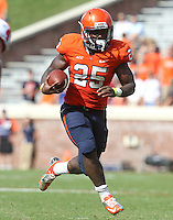 Virginia running back Kevin Parks (25) Ball State defeated Virginia 48-27 during an NCAA football game Saturday Oct. 5, 2013 at Scott Stadium in Charlottesville, VA. Photo/Andrew Shurtleff
