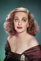 All About Eve (1950)<br /> Bette Davis<br /> *Filmstill - Editorial Use Only*<br /> CAP/KFS<br /> Image supplied by Capital Pictures
