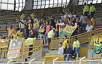 BOGOTÁ -COLOMBIA, 17-01-2015. Aspecto de los hinchas del Real Cartagena durante el encuentro entre Real Cartagena  y Deportes Quindio por la fecha 2 de los cuadrangulares de ascenso Liga Aguila 2015 jugado en el estadio Metropolitano de Techo de la ciudad de Bogotá./ Aspect of the fans of Real Cartagena during the match between Real Cartagena  and Deportes Quindio for the second date of the promotional quadrangular Aguila League 2015 played at Metropolitano de Techo stadium in Bogotá city. Photo: VizzorImage/ Gabriel Aponte / Staff