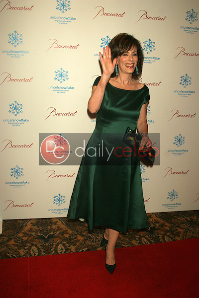 Jane Kaczmarek<br />at the Baccarat Chandelier Holiday Season Outdoor Display Lighting to benefit Unicef. Regent Beverly Wilshire, Beverly Hills, CA. 11-30-05<br />Dave Edwards/DailyCeleb.com 818-249-4998