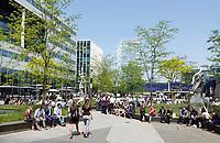 Nederland Amsterdam - april 2018 . Lunchtijd op de Zuidas. Foto Berlinda van Dam / Hollandse Hoogte