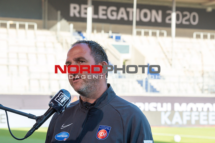 Frank Schmidt, Trainer (FC Heidenheim), schrifttzug Relegation 2020 im Hintergrund,<br /> <br /> GER, FC Heidenheim vs. Werder Bremen, Fussball, Bundesliga Religation, 2019/2020, 06.07.2020,<br /> <br /> DFB/DFL regulations prohibit any use of photographs as image sequences and/or quasi-video., <br /> <br /> <br /> Foto: EIBNER/Sascha Walther/Pool/gumzmedia/nordphoto
