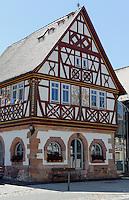 Historisches Rathaus von 1584 in Wenigumstadt im Kreis Aschaffenburg, Bayern, Deutschland