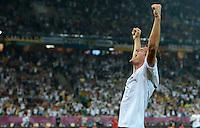 FUSSBALL  EUROPAMEISTERSCHAFT 2012   VORRUNDE Deutschland - Portugal          09.06.2012 Mario Gomez (Deutschland) bejubelt seinen Treffer zum 1:0