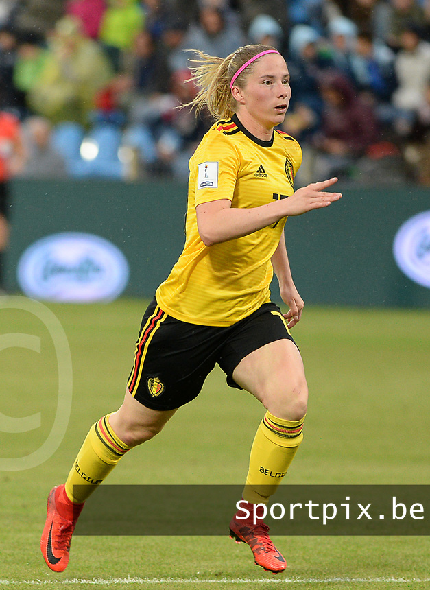 20180410 - FERRARA , ITALY : Belgian Jana Coryn pictured during the female soccer game between Italy and the Belgian Red Flames , the fifth game in the qualificaton for the World Championship qualification round in group 6 for France 2019, Tuesday 10 th April 2018 at Stadio Paolo Mazza / Stadio Comunale in Ferrara , Italy . PHOTO SPORTPIX.BE | DAVID CATRY