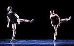 WHITE DARKNESS....Choregraphie : DUATO Nacho..Compositeur : JENKINS Karl..Compagnie : Ballet de l Opera National de Paris..Decor : CHALABI Jaffar..Lumiere : CABOORT Joop..Costumes : FRIAS Lourdes..Avec :..BELLET Aurelia..DUQUENNE Christophe..Lieu : Opera Garnier..Ville : Paris..Le : 28 04 2009..© Laurent PAILLIER / photosdedanse.com