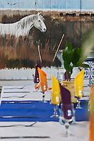 France/13/Bouches du Rhone/Camargue/Parc Naturel Régionnal de Camargue/Saintes Maries de la Mer: décor de l'intérieur d'un restaurant du village