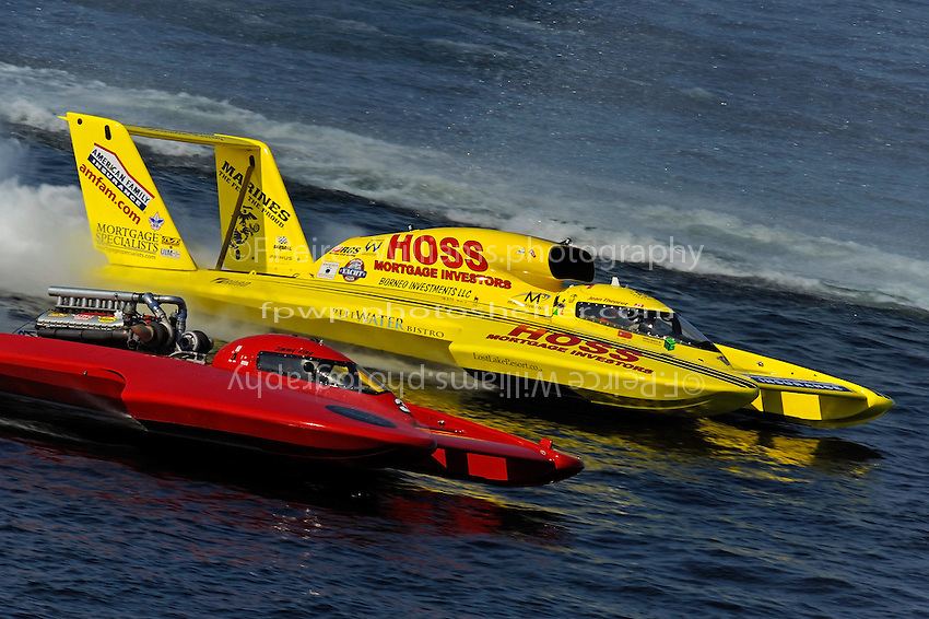 "Final heat: Jimmy King, U-3  races J.W. Myers, U-37 ""Hoss Mortgage"" for what would become second place...1-2 August, 2009 Seattle, Washington USA..©2009 F.Peirce Williams USA.."