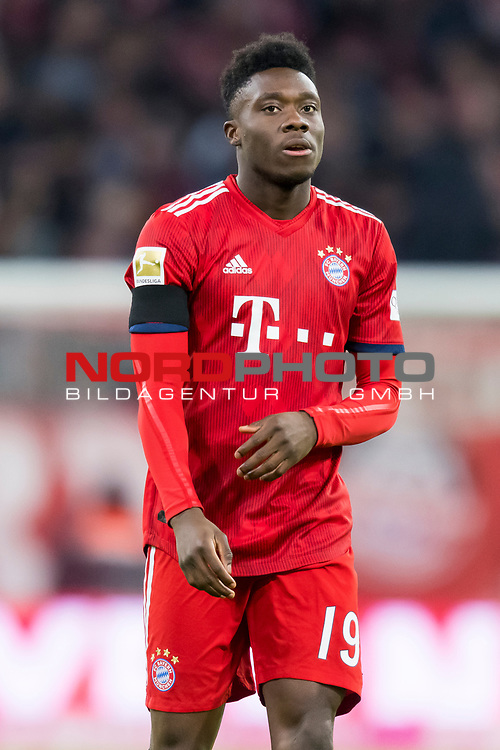 09.02.2019, Allianz Arena, Muenchen, GER, 1.FBL,  FC Bayern Muenchen vs. FC Schalke 04, DFL regulations prohibit any use of photographs as image sequences and/or quasi-video, im Bild Alphonso Davies (FCB #19) <br /> <br />  Foto © nordphoto / Straubmeier