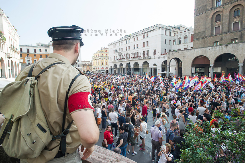 Gay pride Brescia nella foto corteo in piazza Vittoria cronaca Brescia 17/06/2017 foto Matteo Biatta<br /> <br /> Gay pride Brescia in the picture procession in Vittoria square chronicle Brescia 17/06/2017 photo by Matteo Biatta