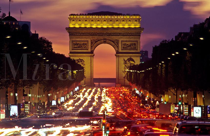 Champs-Elys?àes and Arc de Triumph. Traffic at night